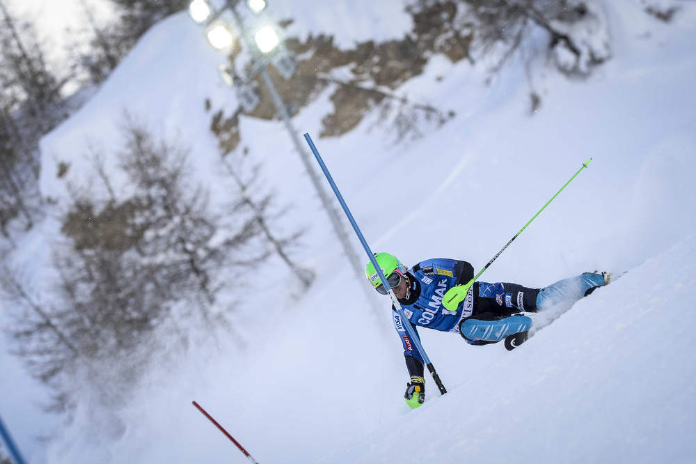 Description of . Ted Ligety of the U.S. competes during the Audi FIS Alpine Ski World Cup Men's Slalom December 08, 2012 in Val d'Isere, France. (Photo by Sindy Thomas/Agence Zoom/Getty Images)