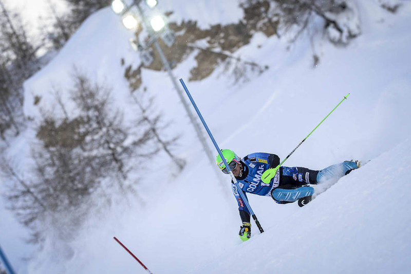 . Ted Ligety of the U.S. competes during the Audi FIS Alpine Ski World Cup Men\'s Slalom December 08, 2012 in Val d\'Isere, France. (Photo by Sindy Thomas/Agence Zoom/Getty Images)