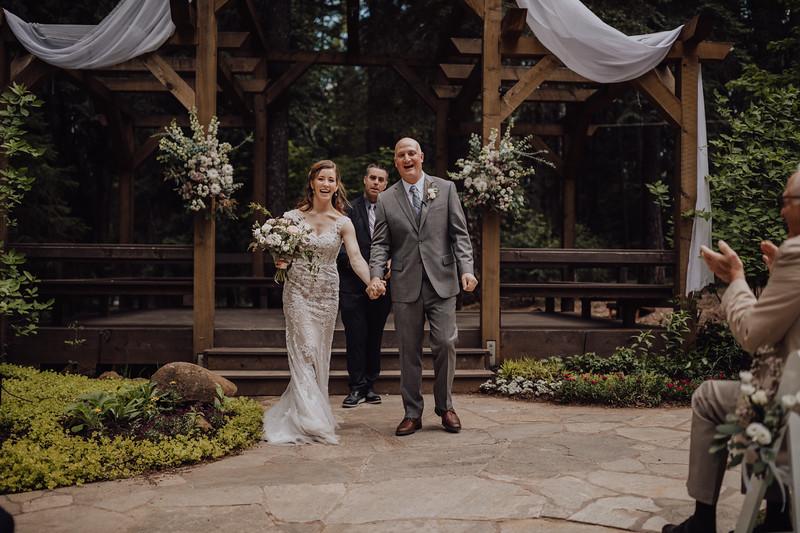 2018-05-12_ROEDER_JulieSeth_Wedding_ROEDER1_0138.jpg