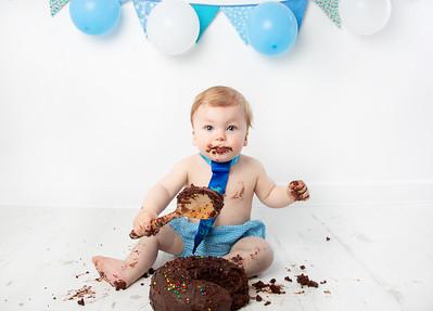 Quinn cake smash