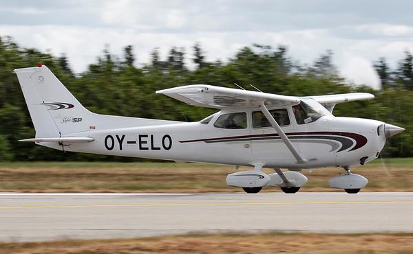 OY-ELO - Cessna 172S Skyhawk SP
