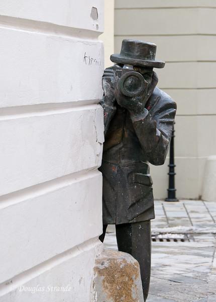 Paparazzi sculpture, Bratislava