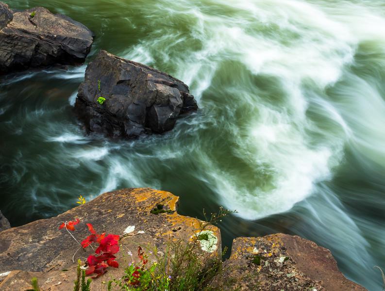 At Sandstone Falls (1 of 1).jpg
