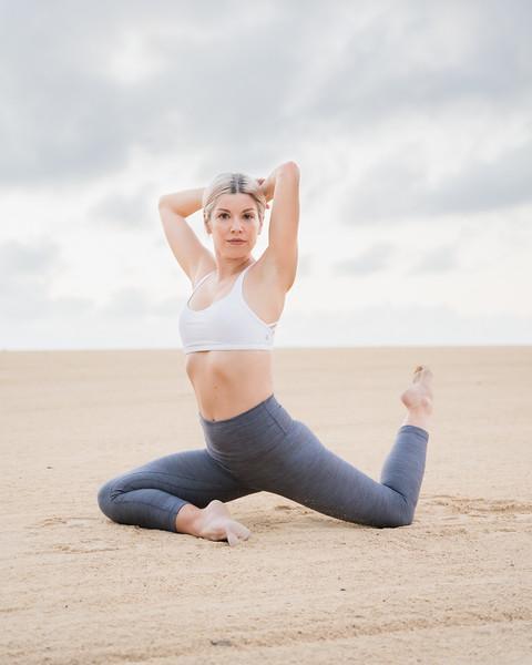 IG - Hawaii - Madeleine Russick - Yoga-200.jpg