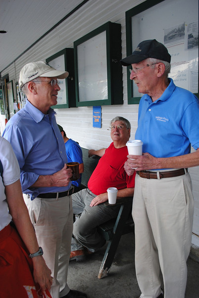 Peter Welch, visits area