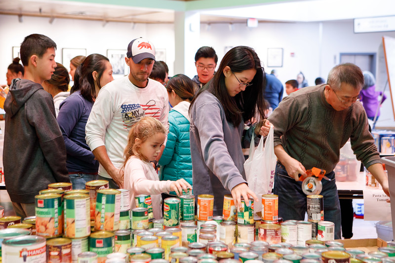 20181122 037 Thanksgiving food drive.JPG