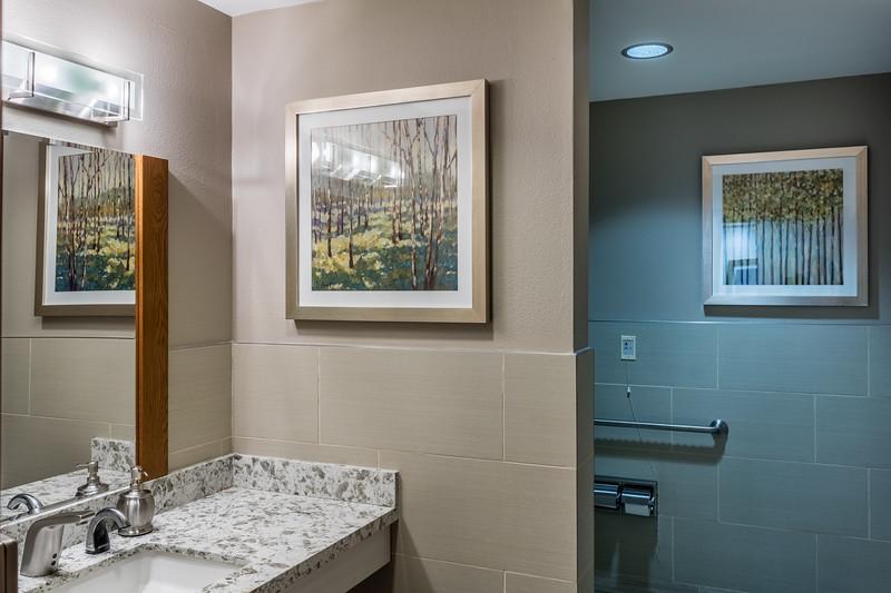 Bathroom-IMG_7945-HDR.jpg