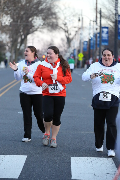 Toms River Police Jingle Bell Race 2015 - 01282.JPG