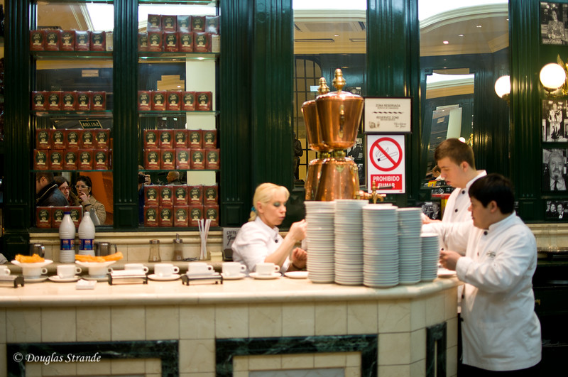 Sun 3/06 in Madrid: Churros and Chocolate