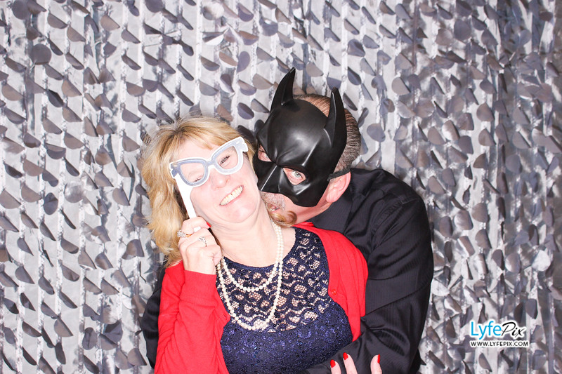 red-hawk-2017-holiday-party-beltsville-maryland-sheraton-photo-booth-0155.jpg