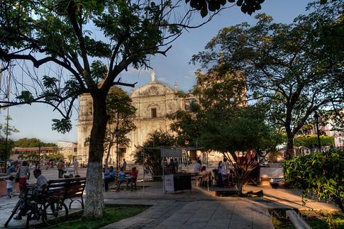 Leon central park and Basilica de la Asuncion