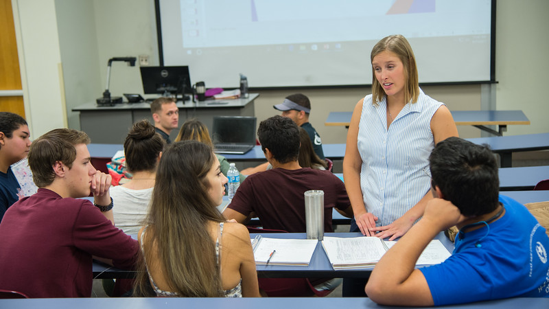 Instructor A. Sherwood answer the question of student in Lifespan Developmental Psychology class