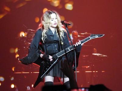 Madonna Centre Bell 09-09-15