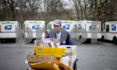 package-wars-postal-service-offers-nextday-sunday-delivery