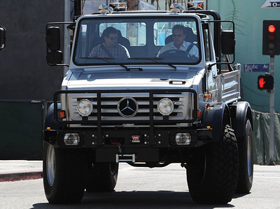 EXC: Arnold Schwarzenegger Doesn't Do Small Driving UNIMOG!
