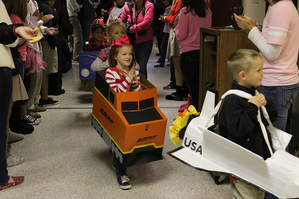 Kindergarten Car Parade 20121026