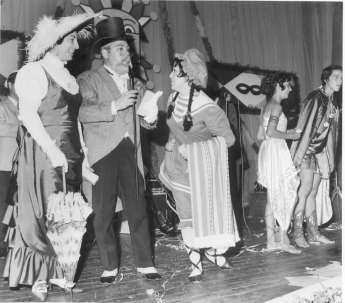 Carnaval 1971  D. Helena e Manuel Pereira, sr. do Alves ( Santo Antoninho) , Vandinha Teixeira e Rui Paulo Fernandes