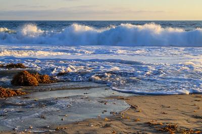 06_Pacific Ocean at Main Beach Park