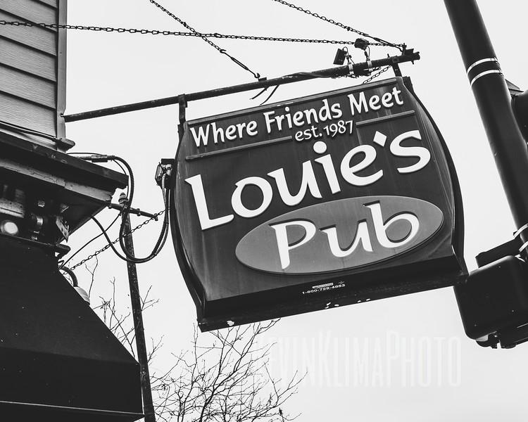 Louie's Pub - Where Friends Meet