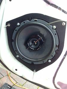 2010 Hilux SR Dual Cab 4x4 Front Door Speaker Installation - USA