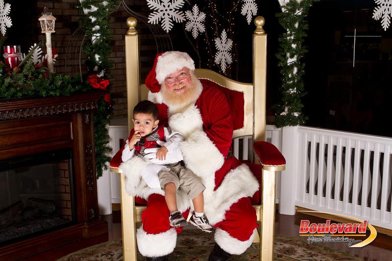 Santa Dec 15-231.jpg