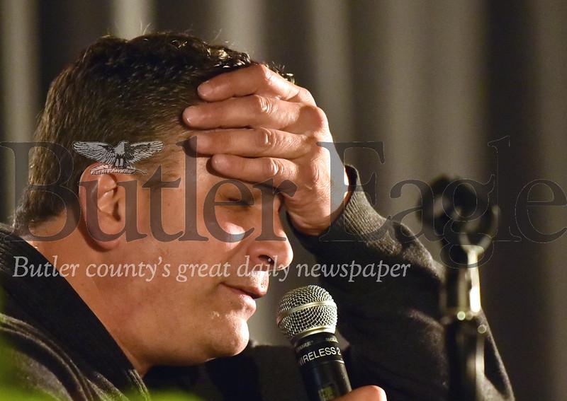 89598 Former Penguin Kevin Stevens  talks at a anti addiction speech  at Butler Middle School.