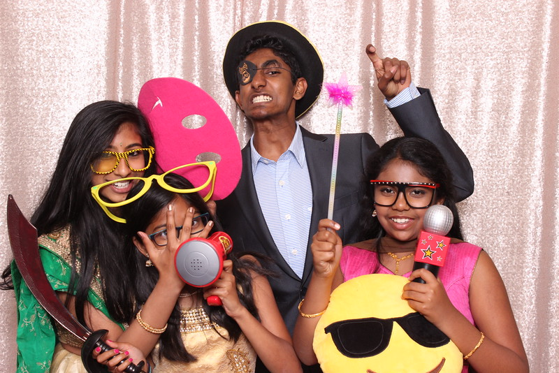 Boothie-PhotoboothRental-PriyaAbe-O-271.jpg
