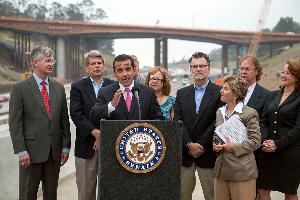 . Los Angeles Mayor Antonio Villaraigosa speaks to the media during a press conference overlooking the 405 freeway at Skirball Center Drive to talk about the passage of a federal surface transportation bill. (Hans Gutknecht/L.A. Daily News)