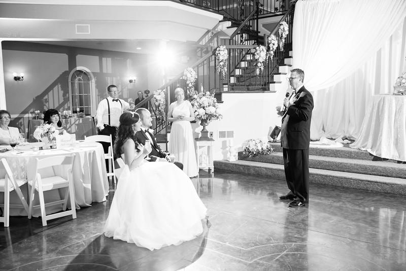 0935_Josh+Lindsey_WeddingBW.jpg