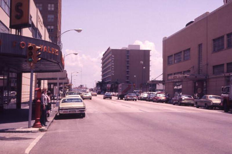 TB - Cass Street - 1975 - K025618.jpg