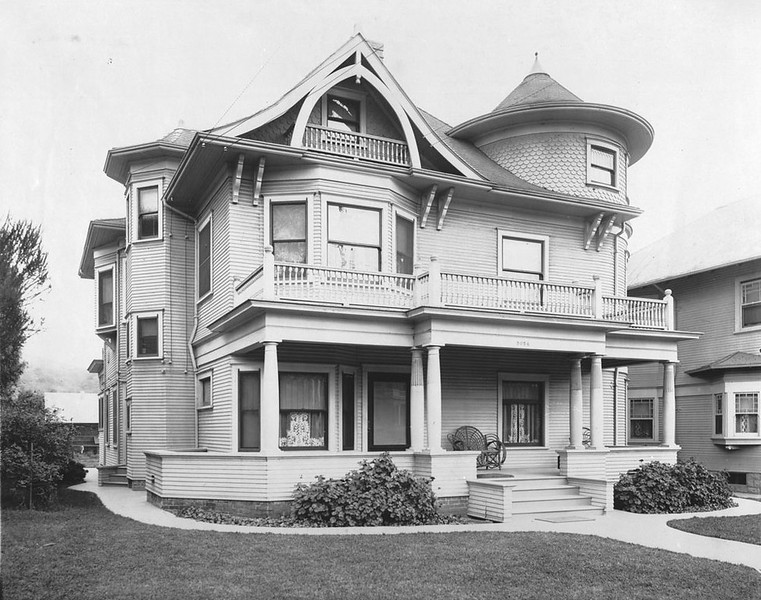 Exterior view of the Shepherd house in Highland Park, [s.d.]