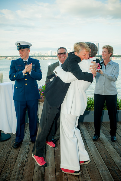 Salty's-Alki-west-seattle-lesbian-gay-wedding-carol-harrold-photography-15.jpg