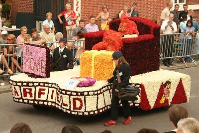 Bloemencorso 2005 - Kinder- en bloemenwagens