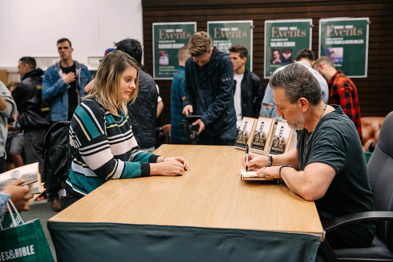 2019_2_28_TWOTW_BookSigning_SP_212.jpg