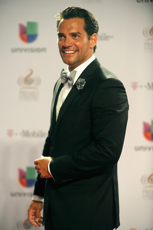 ". Cristian de la Fuente arrives at the 25th Anniversary Of Univision\'s ""Premio Lo Nuestro A La Musica Latina\"" on February 21, 2013 in Miami, Florida.  (Photo by Gustavo Caballero/Getty Images for Univision)"