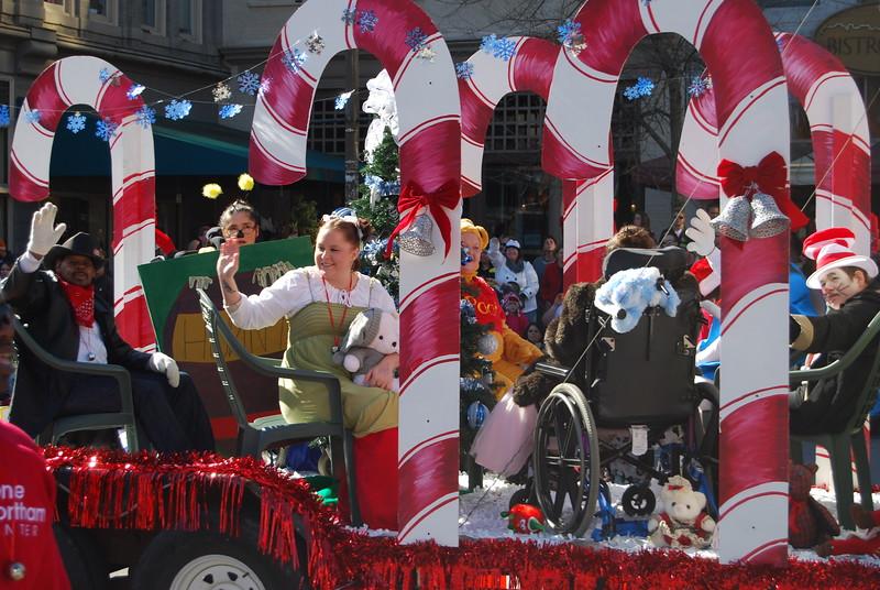 Parade 947.jpg
