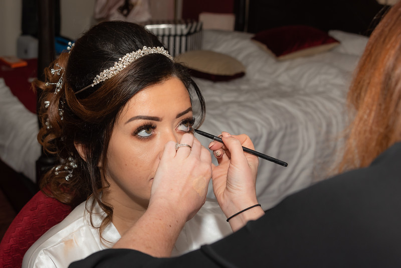 01 Bridal Prep-84.jpg
