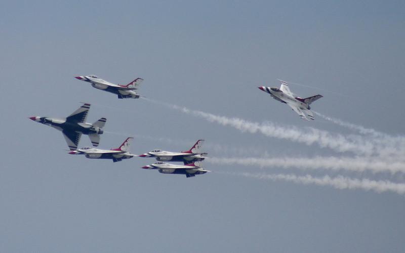 eslairshow_thunderbirds_37_8x5_07262008.jpg