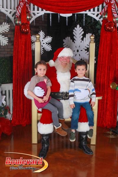 Santa 12-10-16-226.jpg
