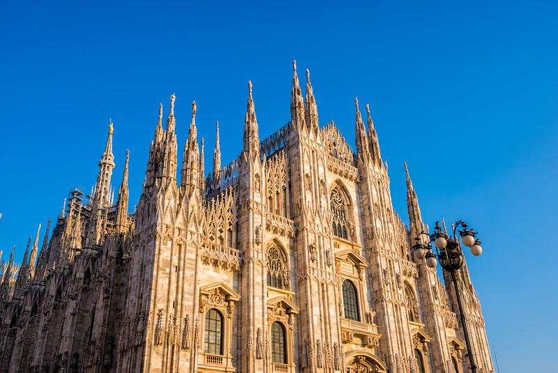 Milan-cathedral-day-side.jpg