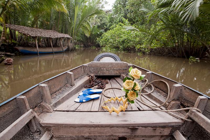 sampan-tour-mekong-delta-vietam.jpg