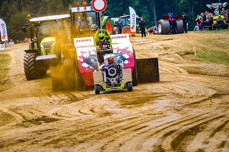Tractor Pulling 2015 BZ-02352.jpg