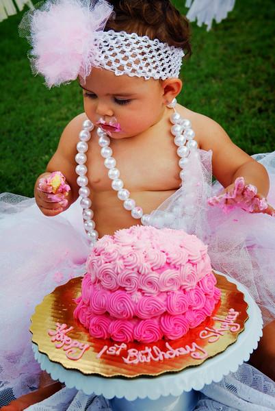 Skylar sin cake X.jpg