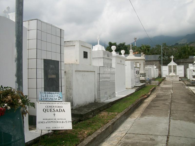 EscazuCentro_Cemetery1a.jpg