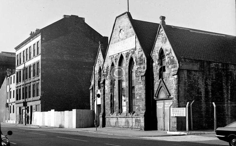 Commerce St, west side south of Nelson St.  Kingston UF Church (1844).     September 1973