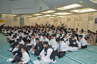 Waqfe Nau Class Boys 12 yrs and above