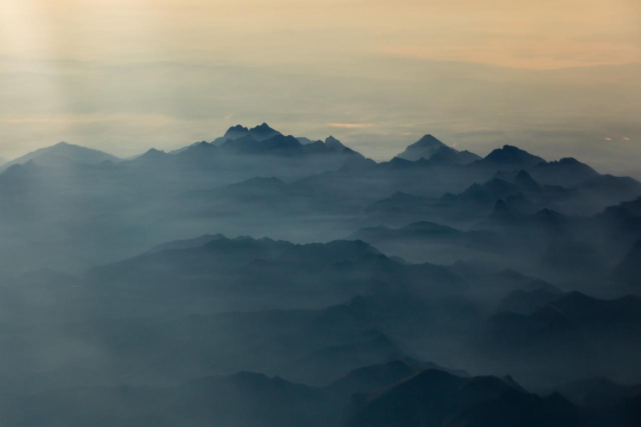 Egipt; Safari; Góry w porannej mgle
