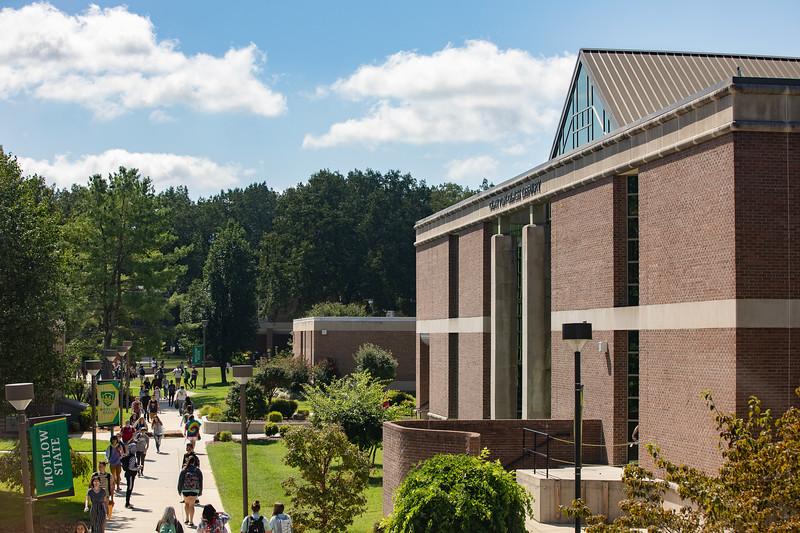 Campus Life-3912.jpg