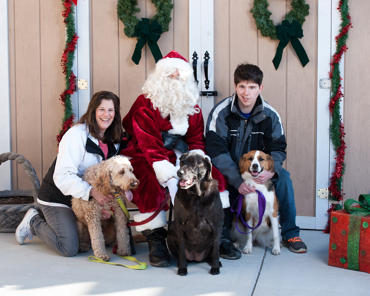 Photos with Santa at Naperville Humane Society by Maritza Partida 2017-3111.jpg