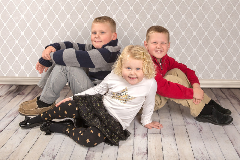 The Duthler kids stopped by our studio for a quick mini session; talk about a ton of energy! :) Their shoot turned out great!